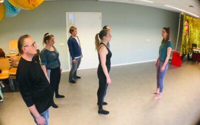 Yoga op het werk; zo makkelijk is het! De mogelijkheden voor bedrijfsyoga met Joska