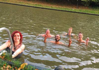 YogaLeeuwarden_Buiten-zwemmen-friesland_koude-training-leeuwarden_YogaMetJoska_Privé-yoga_1op1yoga