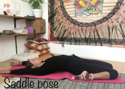 YogaLeeuwarden_saddle-yogs-pose-yogahouding_YogaMetJoska_Privé-yoga_1op1yoga